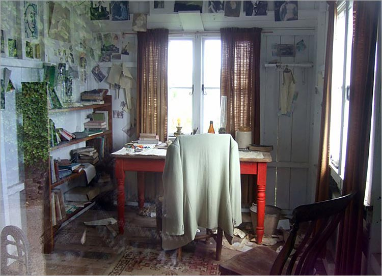 Dylan Thomas's 'writing shed'. Photo: Freda Raphael