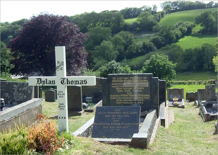 Dylan Thomas's grave, Laugharne. Photo: Freda Raphael
