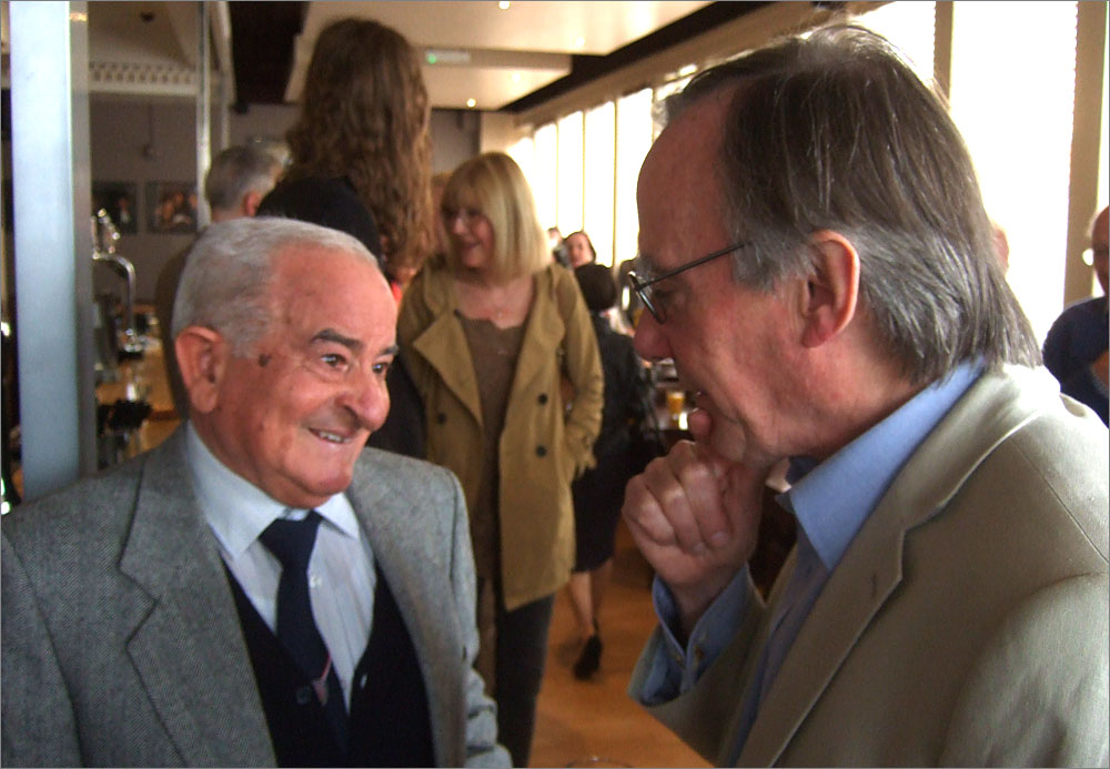 Gordon talking to Emilio D'Alessandro in the Elstree Bar. Photo: Freda Raphael