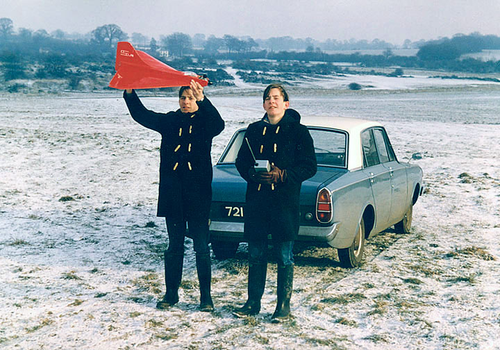 Gordon and John with their own design model aircraft, the 'Assegai' at Nomansland Common, Hertfordshire, in January 1966. Photo: Peter Stainforth