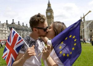 uk-eu-kiss